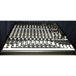 Mackie ProFX16 Channel Mixer with FX USB